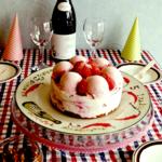 ウイングチップのイチゴのジェラートアイスケーキは安心!見た目も可愛いので是非お誕生日用やプレゼントに。